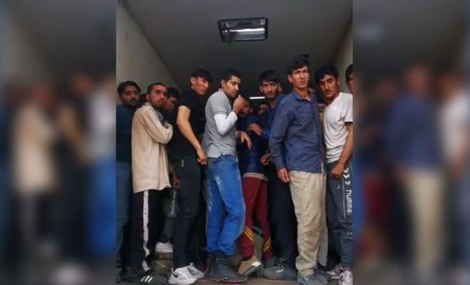 Bir araçta 158 düzensiz göçmen yakalandı