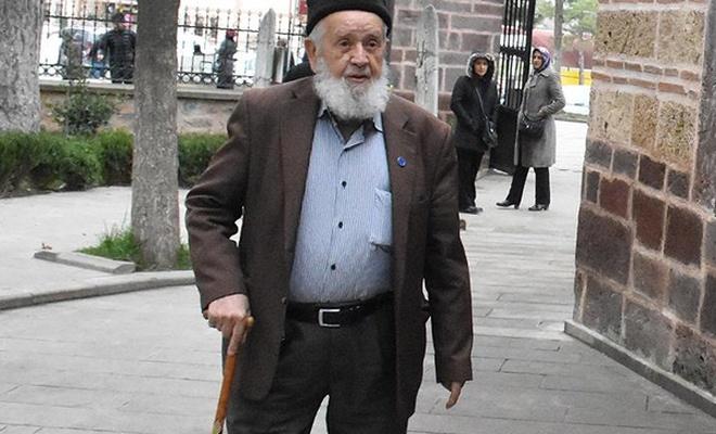 Mustafa dedenin azmi 28 Şubat`ı yendi