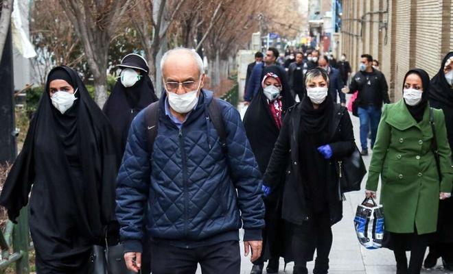 İran'da Covid-19 kısıtlamaları uzatıldı