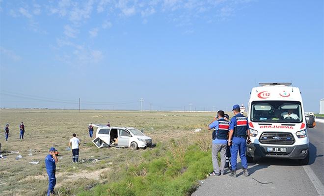 Aksaray`da minibüs şarampole devrildi: 10 yaralı