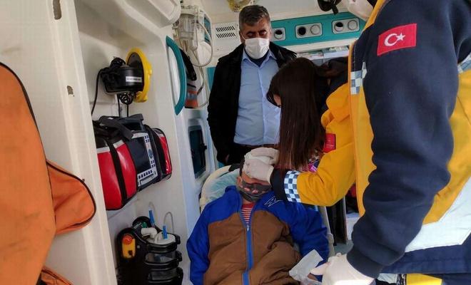 Karla mücadele ekipleri yaralı çocuğu sağlık ekiplerine ulaştırdı