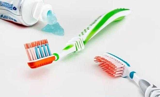 Beyazlatıcı diş macunu seçiminde nelere dikkat edilmeli?
