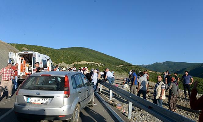 Tokat`ta traktör devrildi: 3 ölü, 13 yaralı