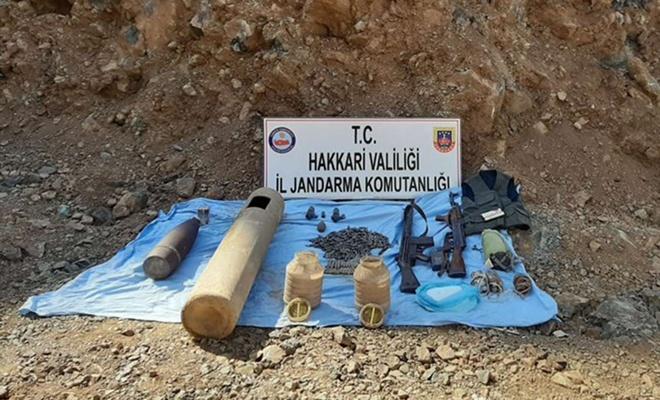 Hakkari'de bir sığınakta PKK'ye ait mühimmat ve patlayıcı madde ele geçirildi