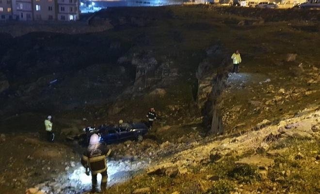 Takla atan otomobil uçuruma düştü, aynı aileden 5 kişi yaralandı