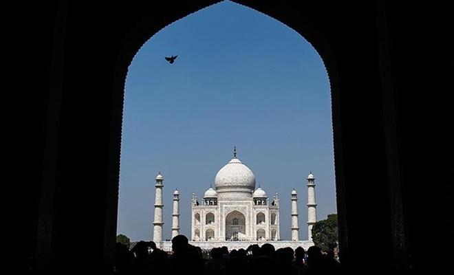 Tac Mahal`de cuma namazına yasak...