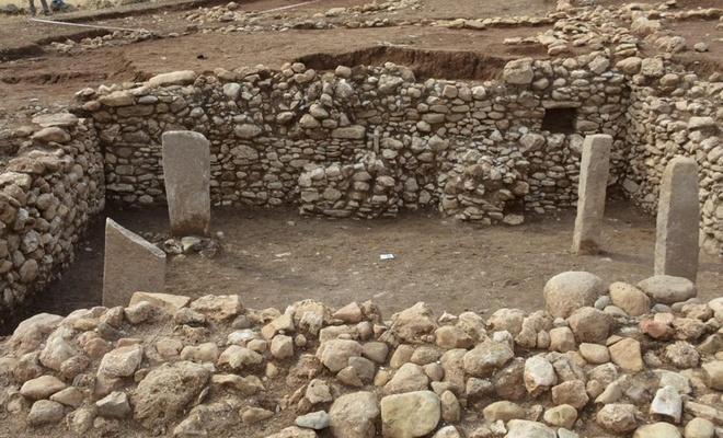 """""""Boncuklu Tarla, Göbeklitepe'den bin  yıl daha eski olabilecek bulgular içeriyor"""""""