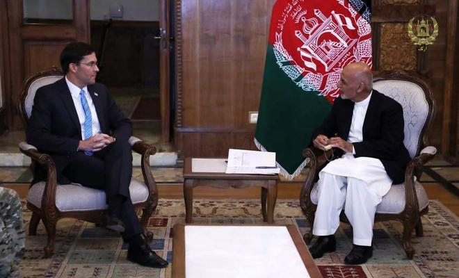 ABD Savunma Bakanı Esper, Afganistan Cumhurbaşkanı Gani ile görüştü