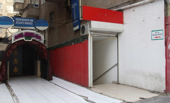 Diyarbakır'da mescidin yanında bulunan bar, halkı rahatsız ediyor