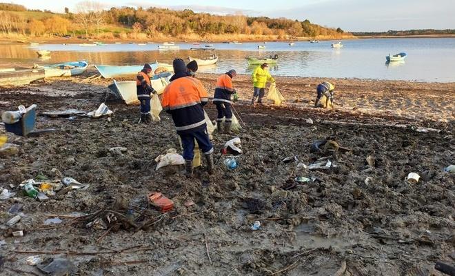 İstanbul'un barajlarından 40 ton çöp toplandı!