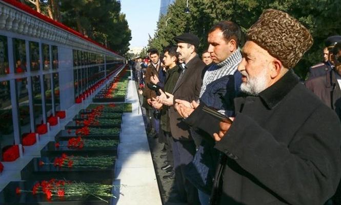 Azerbaycan`da `Kanlı Ocak` kurbanları anılıyor