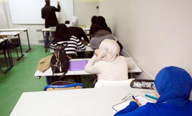 Belçika'da Flaman kesimindeki okullarda, başörtüsü resmen yasaklanıyor!