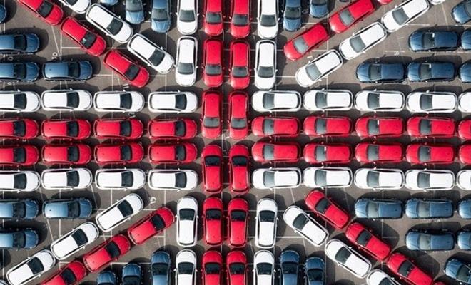 Otomobil sektörü tarihinin en kötü Mart aylarından birini yaşadı