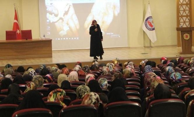 İslam, kadınların omuzlarının üzerinde yükselmiştir