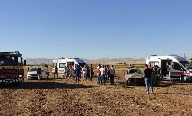 Mardin'de otomobilin devrilmesi sonucu biri ağır 4 kişi yaralandı