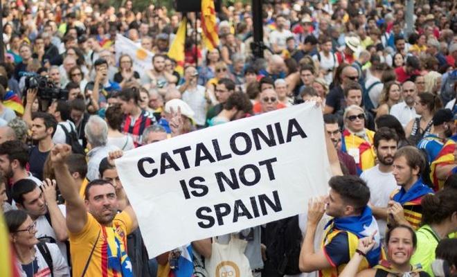 Katalonya, İspanya'ya meydan okumayı sürdürüyor