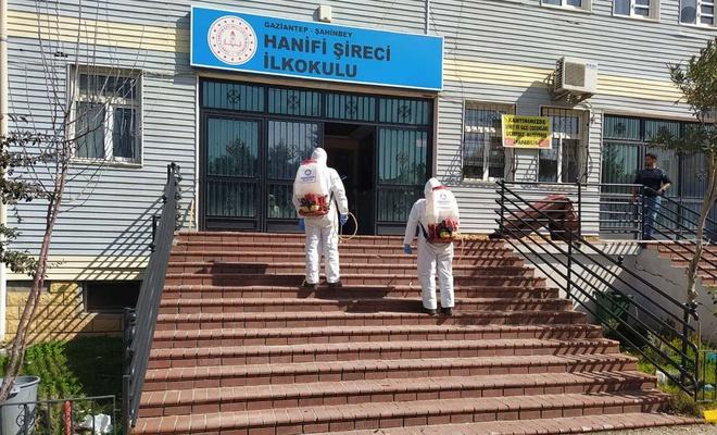 Yüz yüze eğitime başlayacak okullar dezenfekte edildi