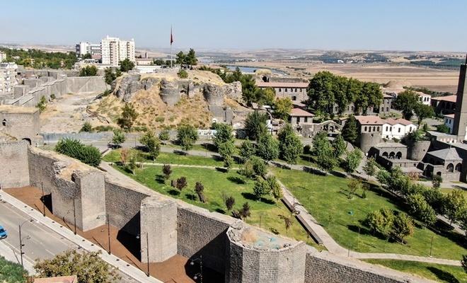 Diyarbakır'da Roma dönemine ait mezar odaları bulundu
