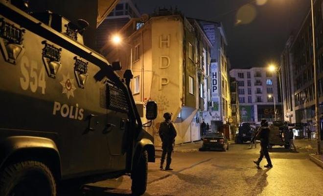 HDP Esenyurt ilçe binasına baskın
