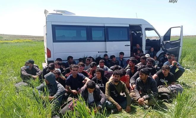 Van'da 60 düzensiz göçmen yakalandı