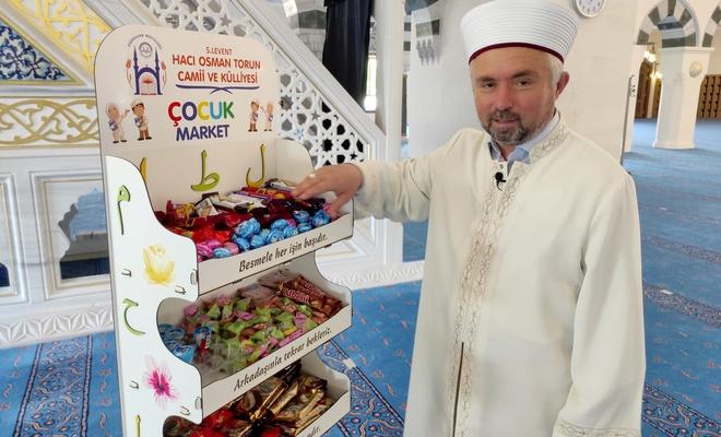 İmam, kurduğu 'Çocuk Market'le çocuklara camiyi sevdiriyor