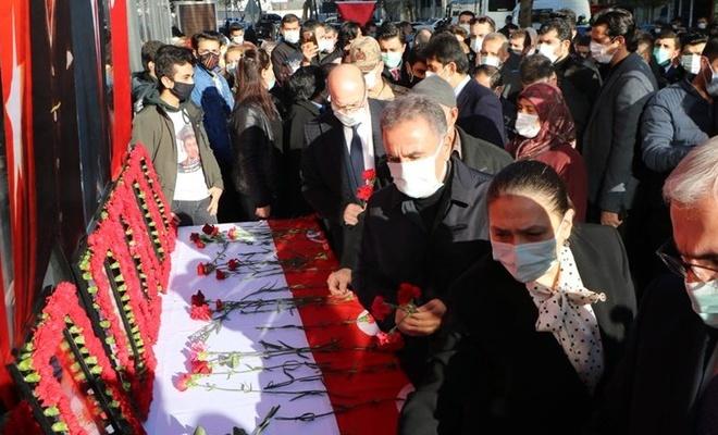 Diyarbakır'da dershane saldırısında ölen öğrenciler anıldı