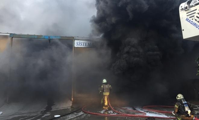 Başakşehir'de fabrika yangını!