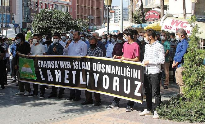 Macron'un İslam düşmanlığına bir tepki de Adana'dan geldi
