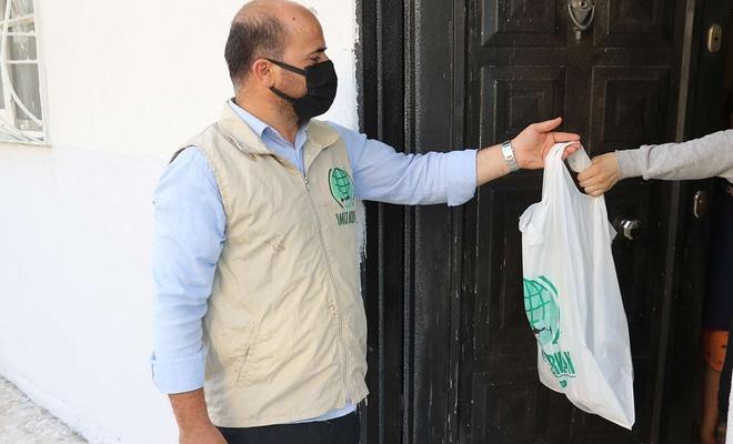 Umut Kervanı Gaziantep'te yüzlerce aileye kurban eti ulaştırdı