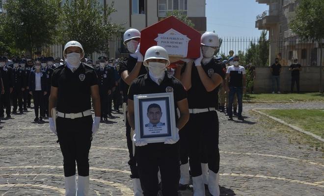 Şanlıurfa'da kalp krizi sonucu hayatını kaybeden polis memleketine uğurlandı