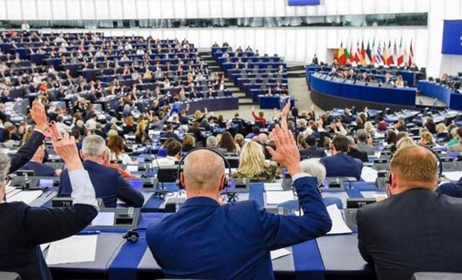 Avrupa Parlementosu'nda İslam düşmanlığı resmen yasalaştı