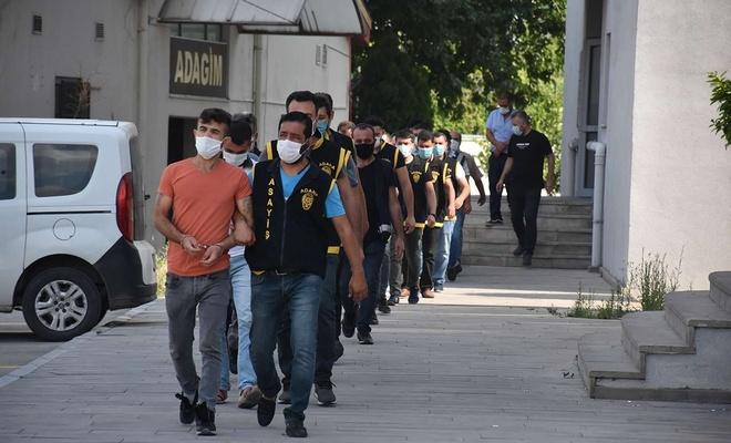 Adana'da çeşitli suçlardan hapis cezası bulunan 33 kişi yakalandı