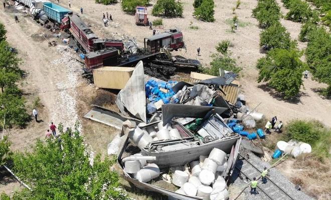 Malatya'daki tren kazasında olay yeri yukardan görüntülendi