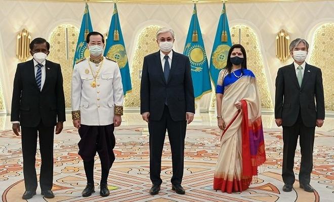Dört devletin diplomatik misyon başkanları Kazakistan'da akredite oldu