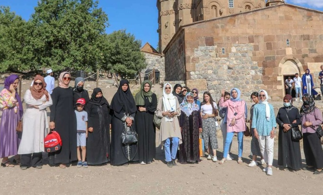 İpekyolu Belediyesi kadınları tarihi mekanlarla buluşturuyor