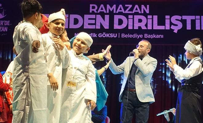 Ömer Karaoğlu Esenler'de yetim çocuklarla beraber sahne aldı