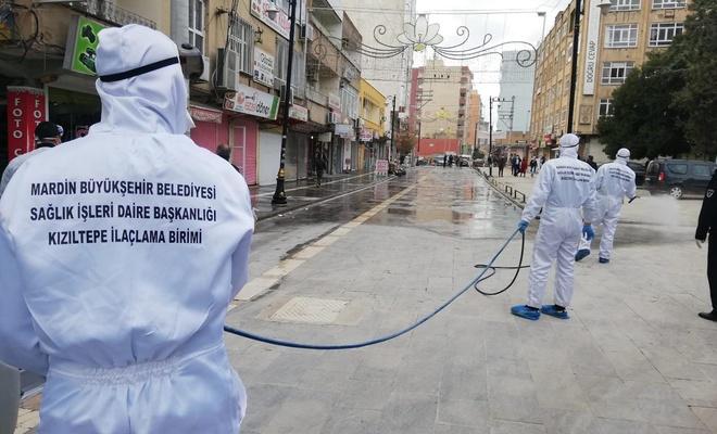 Kızıltepe Cumhuriyet Meydanı dezenfekte edildi