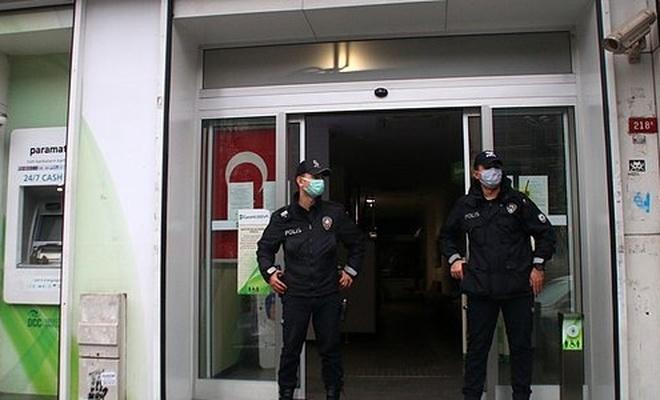 İstanbul'da Bir Bankaya Giren Hırsızlar Sadece Elektrikli Isıtıcıyı Çaldı