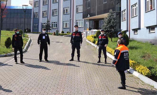 Bartın'da karantina kararına uymayan 12 kişi yurda yerleştirildi