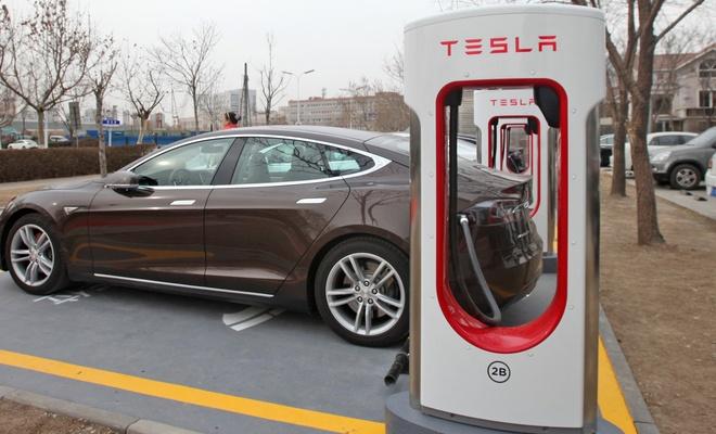 Tesla'dan yüksek performanslı batarya