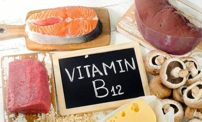 B12 eksikliği belirtileri nelerdir? B12 vitamini hangi besinler bulunur?