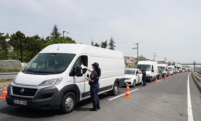 Valilik duyurdu: O sınır kapasında giriş çıkışlar açıldı