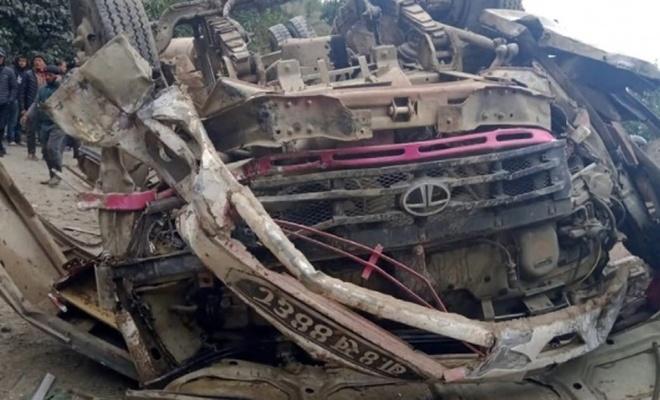 Otobüs şarampole yuvarlandı: 14 ölü, 16 yaralı
