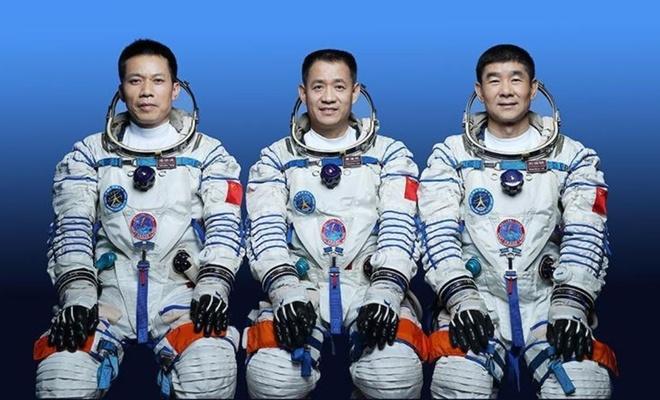 Çin'in yeni insanlı uzay misyonu tanıtıldı
