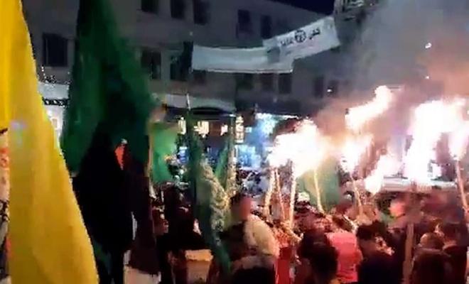 Batı Şeria'da halk meşalelerle sokaklara indi