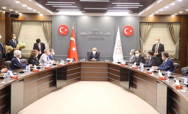 Hazine ve Maliye Bakanı Elvan görevine başladığını duyurdu