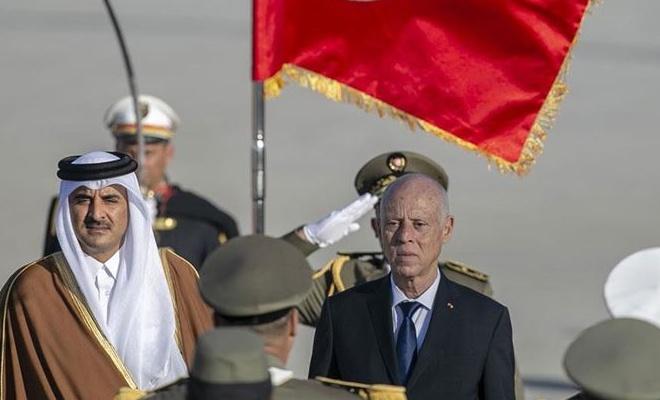 Katar Emiri resmi ziyaret için Tunus'ta