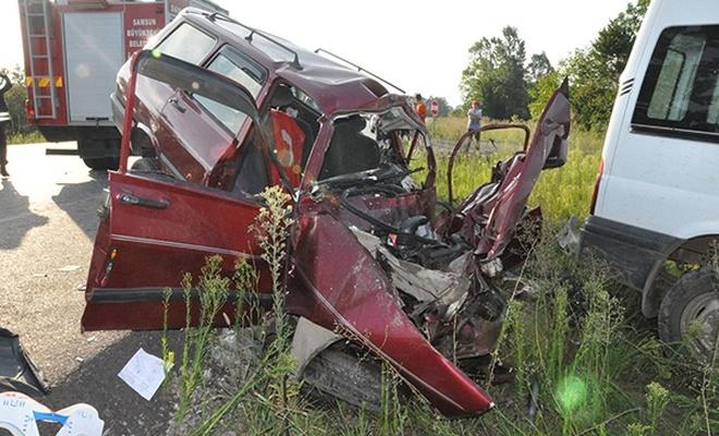Çarşamba`da kaza: 2 ölü, 1 yaralı