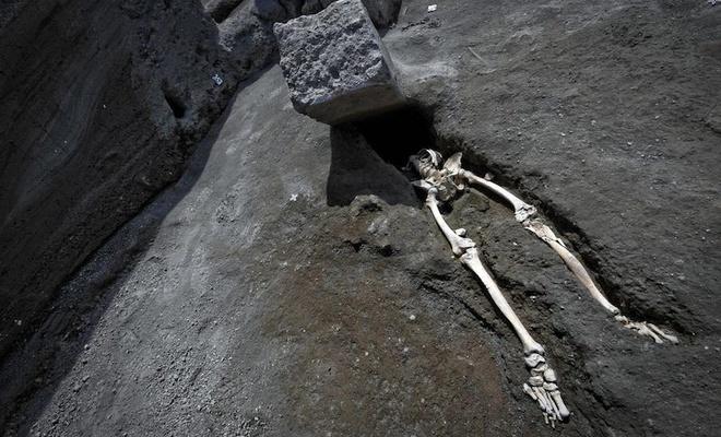 Pompei'nin ibretlik hikayeleri bitmiyor.