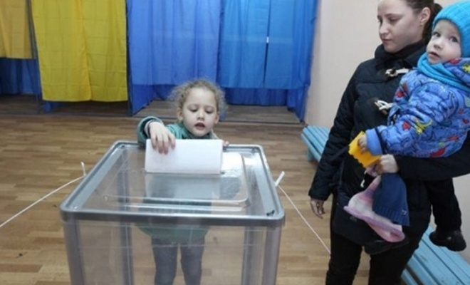 Ukrayna sandık başında